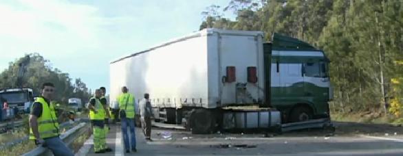 Cortegaça: Um morto e 3 feridos em colisão na A29