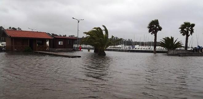Temporal provoca danos na Marina do Carregal
