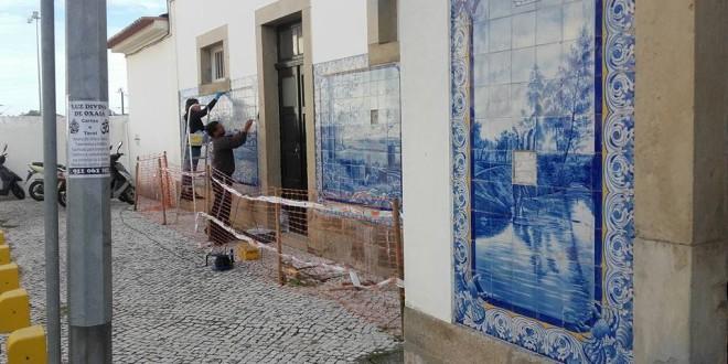 Recuperação dos azulejos da estação entra na fase final