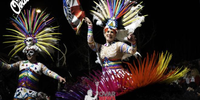 Desfile nocturno das Escolas de Samba 2017