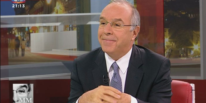 """PSD: Marques Mendes e Salvador Malheiro trocam """"galhardetes"""""""